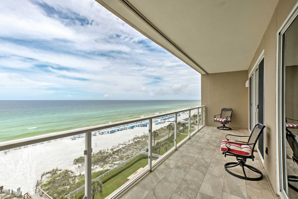 This beach-themed condo is perfect for the whole family and sleeps 8.