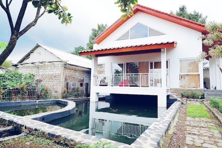 Tombo Sayah Villa