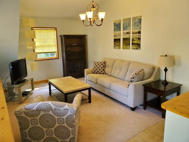 Quiet and Cozy, One Bedroom Suite on Lake Wylie