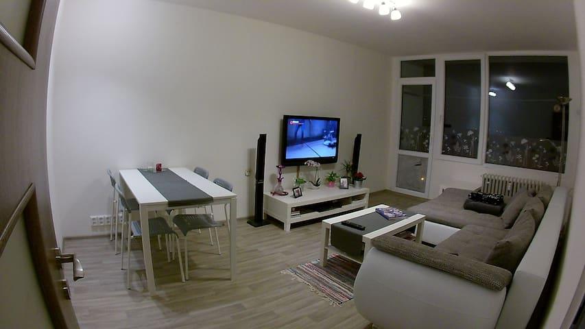 Moderní byt s úžasným výhledem, blízko do centra - Ústí nad Labem