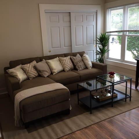 1 bedroom/1 bathroom GREAT location - Burlingame - Lägenhet