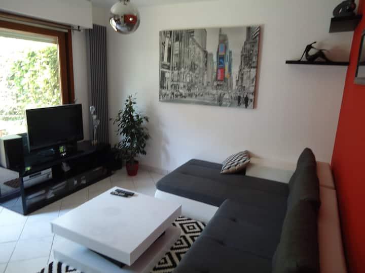 Appartement avec terrasse et jardin + prêt 2 vélo