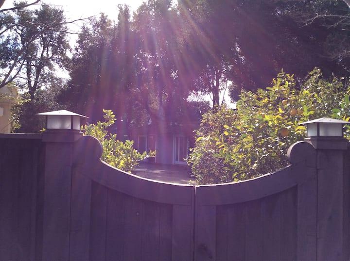 Guesthouse near Stanford, Palo Alto, Menlo Park