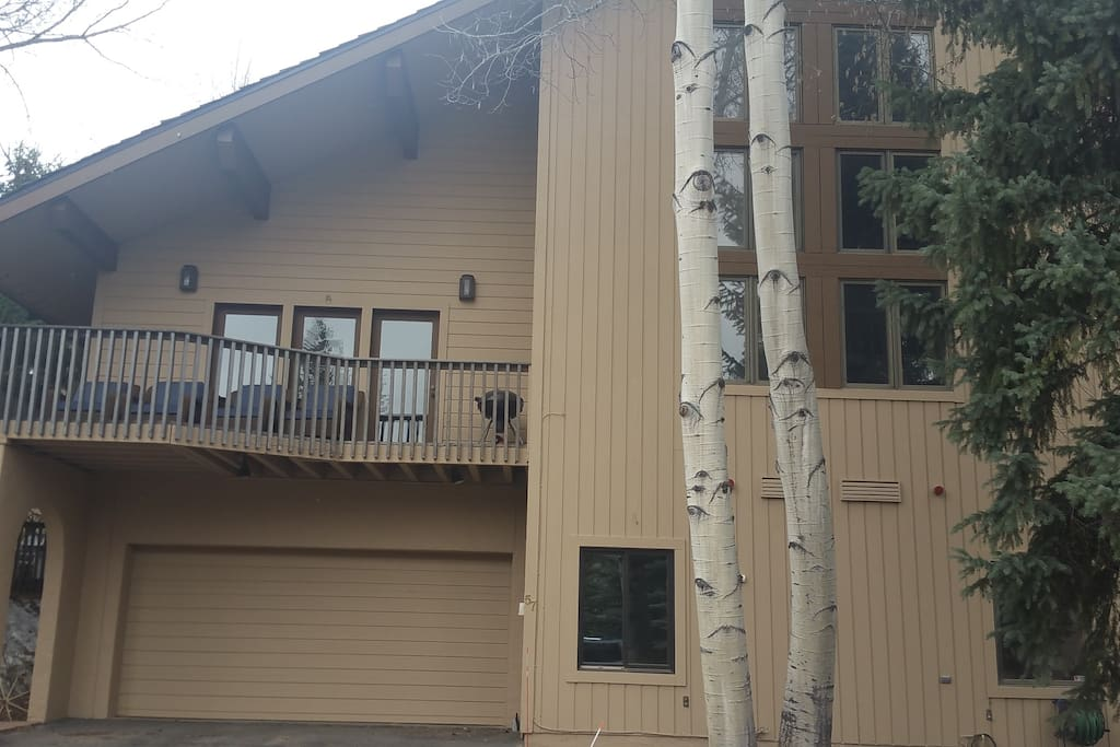 Beautiful 6 Bedroom, 6 1/2 Bath Beaver Creek home with convenient access to FUN!