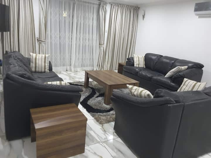 Comfortable  Ensuite 2 Bedroom Apartment