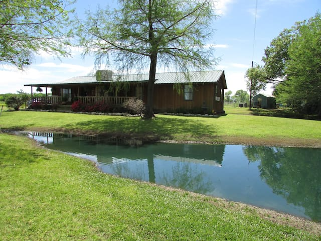 DKC Farm Bed & Breakfast - Grand Saline