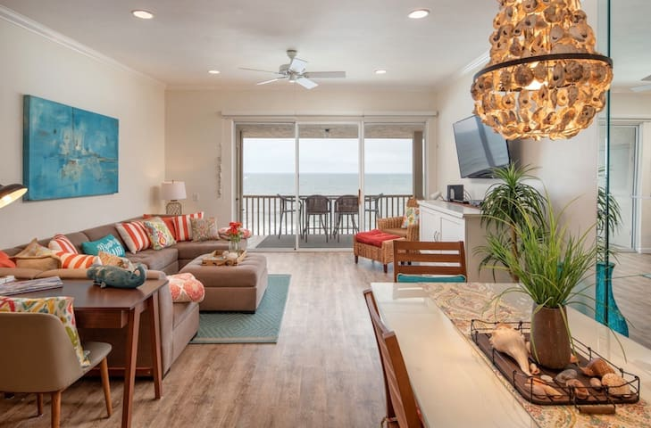 Oceanfront Condo in highly desirable Solana Beach