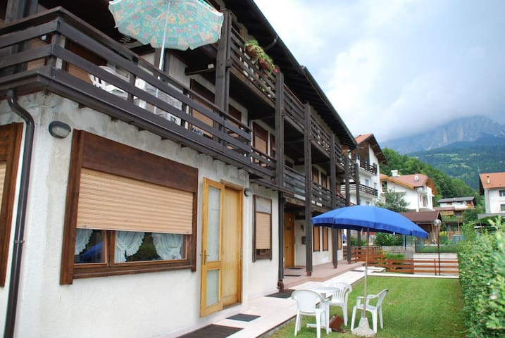 Beautiful Apartment in the heart of the Dolomites! - Fiera di Primiero - Apartment