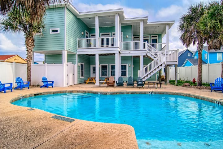 Tipsy Turtle: Private Pool, Blocks from the Beach, Pets, Free Golf Cart