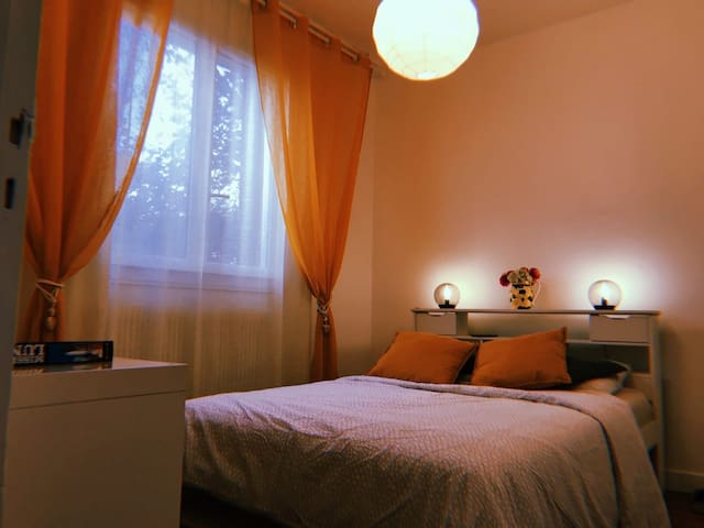 Modern 5★ Room in a Quiet Area. Wi-Fi & Parking