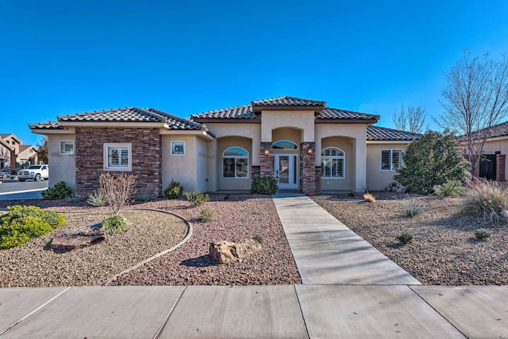 NEW! Luxe Home w/Pool, Grill-25 Mins to St. George