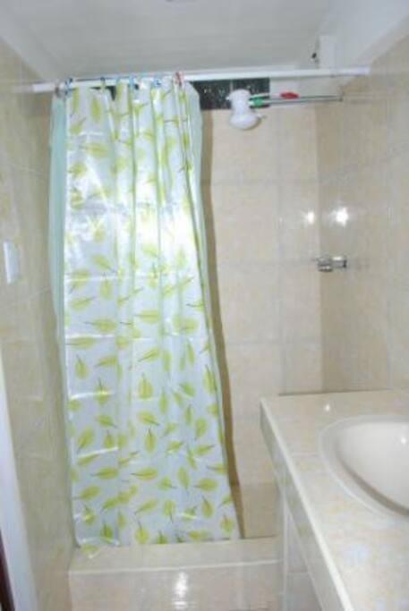 Baño Primera Habitación