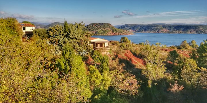 Salagou lake : 32m2 studio with amazing lake views