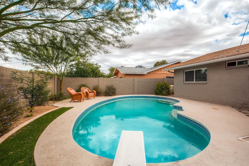 Old town scottsdale house heated pool sleeps 12 for Pool durchmesser 4 50