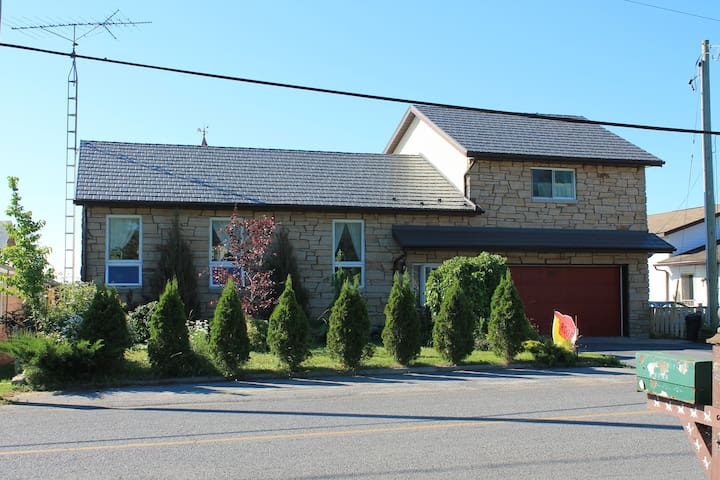Presquile View Bed and Breakfast - Full occupancy