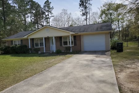 Friendly Country Home Near Hospitals-No Extra Fees