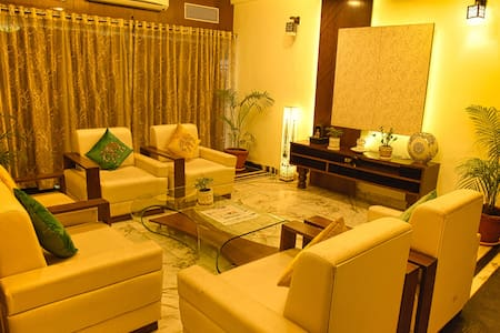 ROYAL PALMS | SUITE-1 |  BUDGET STAY | 3-STAR