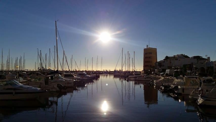 Aventura y vivencia en velero Almería España - Almería