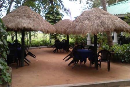 Guest House in Anamaduwa - Anamaduwa - Bed & Breakfast