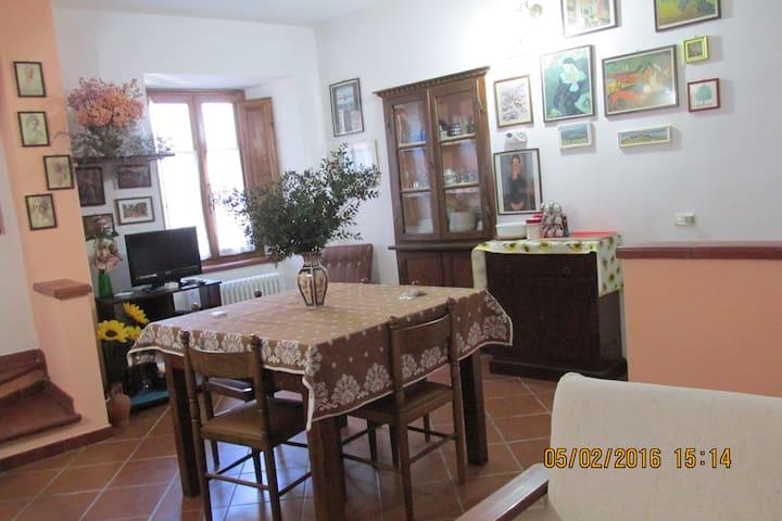 Casa in un piccolo borgo Toscano