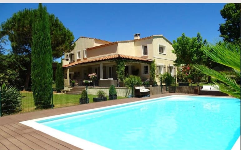 Villa entre Nîmes et Montpellier