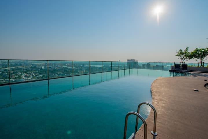 Quiet 2Bedrooms, Rooftop Pool 5step walk to BTS E8 - Banguecoque - Condomínio