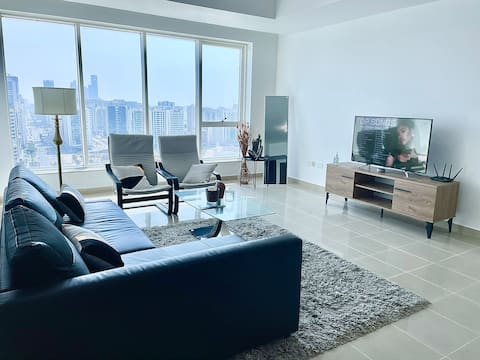 Sky high 1-bedroom in heart of Abu Dhabi (POPULAR)