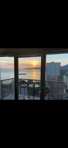 Dowontown,Vancouver.Amazing ocean view & location