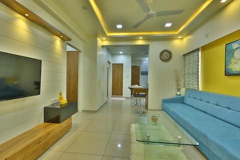 Contactless check-in/2bhk flat New Alkapuri Gotri