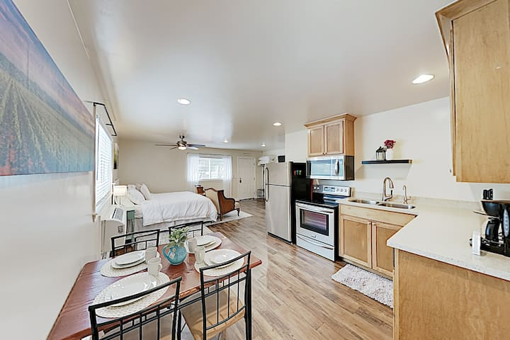 Chic Studio on 5 Gated Acres - Near Downtown