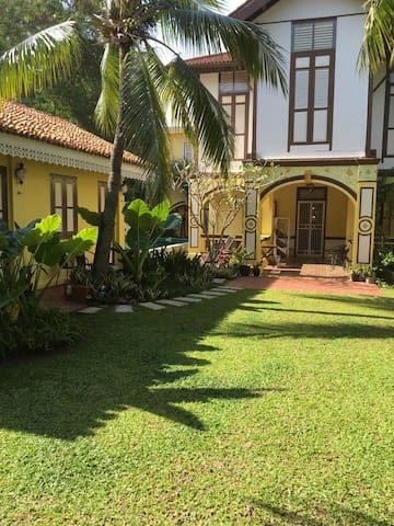 Casugria Dutch Heritage Villa - Garden Chalet 3pax - Melaka - 家庭式旅館