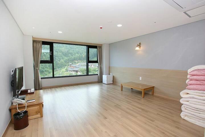 지리산 산청 동의보감테마파크에 있는 최고급 호텔 온돌