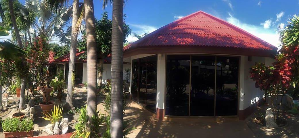 โรงแรมระยองซีวิว Rayong Sea View