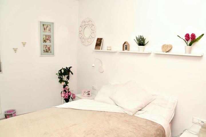 Habitación privada en Sitges con terraza