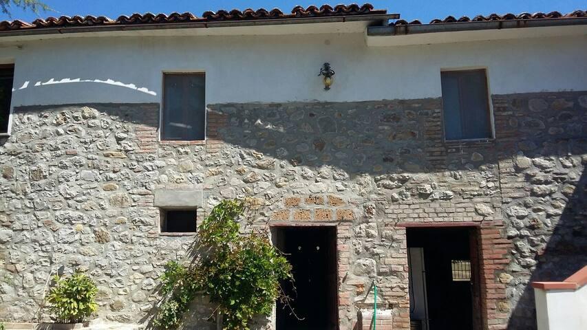 Antico Casale in Val Di Chiana - Monteleone D'orvieto, Umbria, IT - Cabane