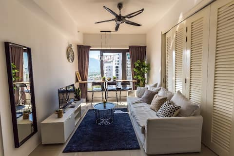 The Heritage by ALV, 2BR Comtemporary APT/HTL