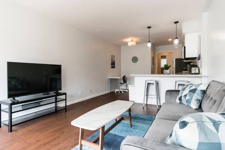 Remodeled Apt Near 19th Street BART -  J5