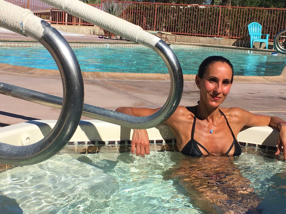 Warm Jacuzzi and year round 82 plus degree pool