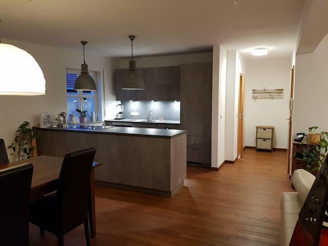 Möblierte Wohnung mit Terrasse