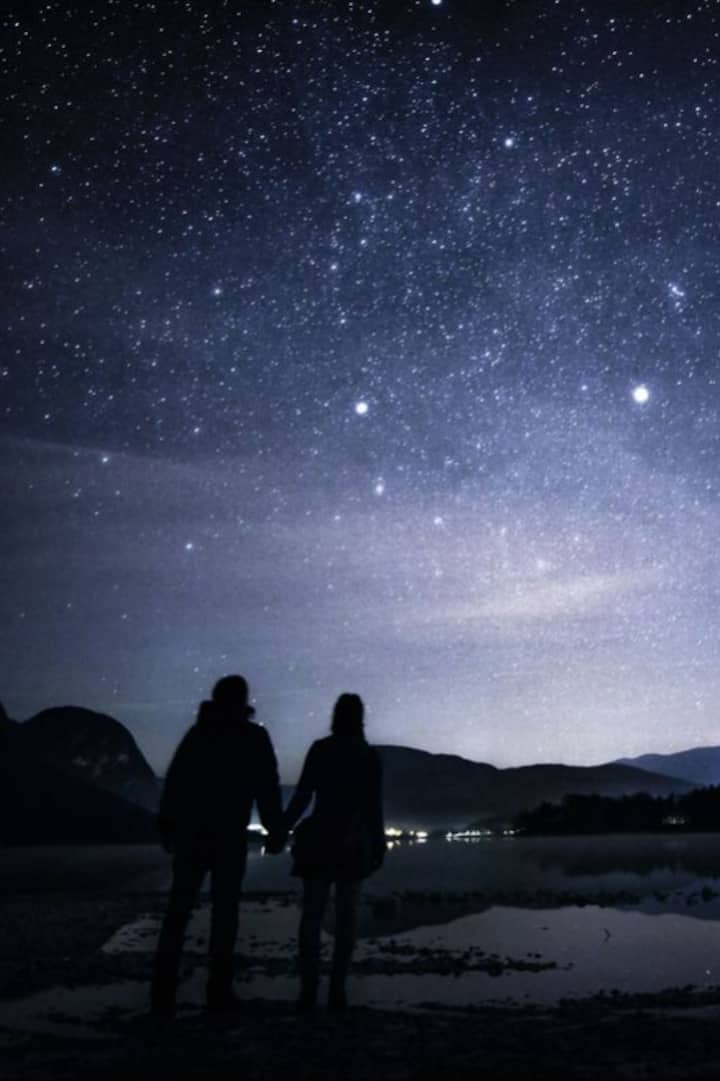Midnight stargazing at hot spring area