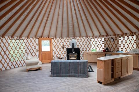 Cozy Yurt with 2 Bedrooms