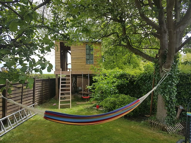 Treehouse,   tranquil with a scenic view