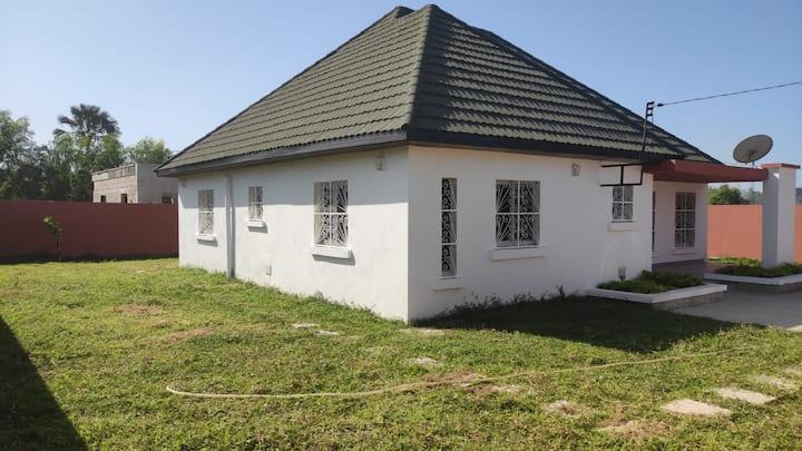 House in brufut near the sea /tanji bird reserve