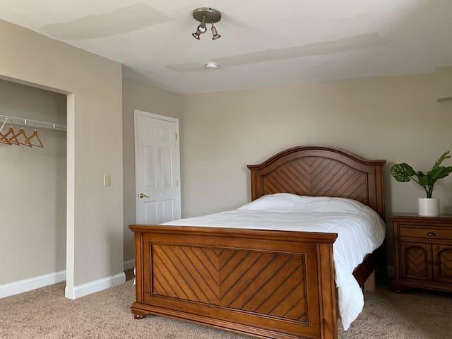 Private Master Suite & Bath,Kitchenette & Balcony