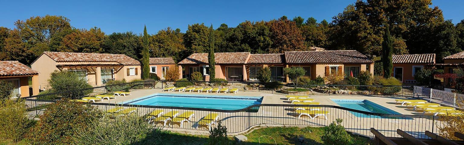 Villa au coeur de la Provence - Régusse