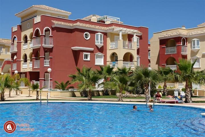 2 Bedroom Apartment with C / Pool