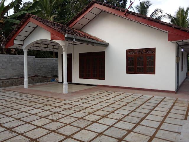 Villa Matara at Maha Induruwa