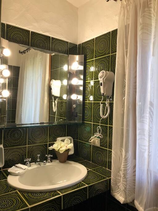 Bagno privato attiguo Camera Arcobaleno