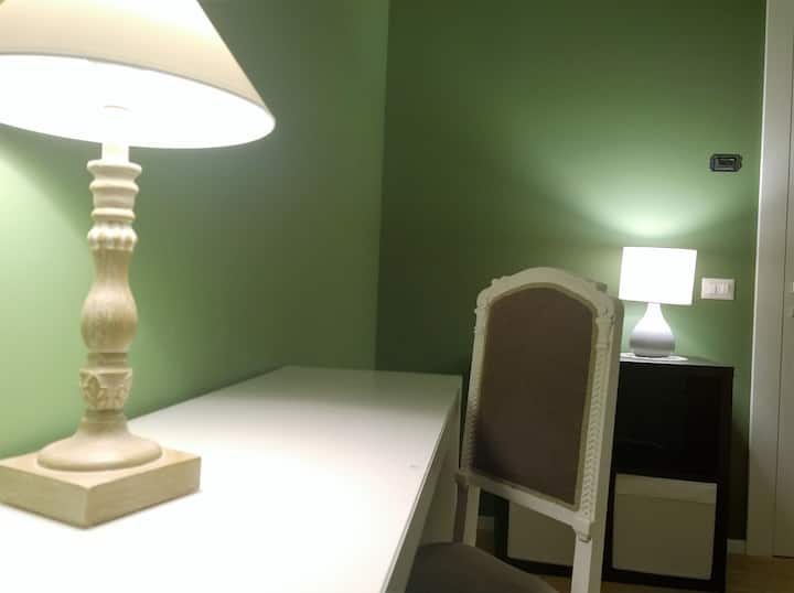 Special Smartworking. Friendly HOST in City center