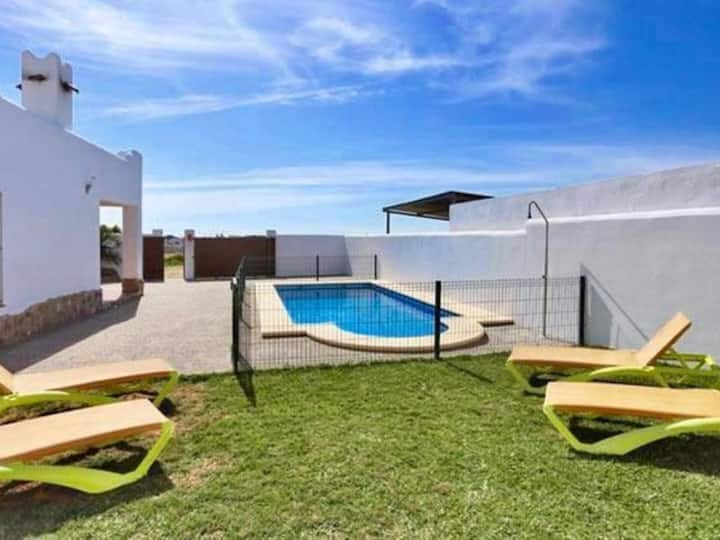 Villa with private pool Puntalejo